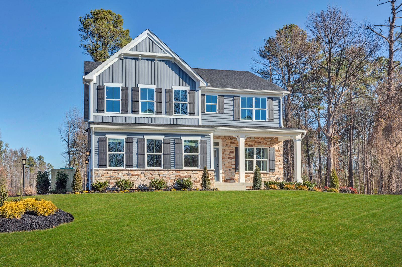 Welcome to Grove Crossing in Thomas Dale High School District!:Premier homes on up to 1/2 acre homesites. The ultimate curb appeal community with side-entry garages, concrete driveways & elevated landscaping. Click here to scheduleyour tour!