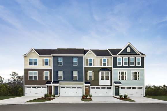Townhomes walking distance to Downtown Apex:Low maintenance living at Villages of Apex where you can walk to Downtown Apex.Schedule a visit!