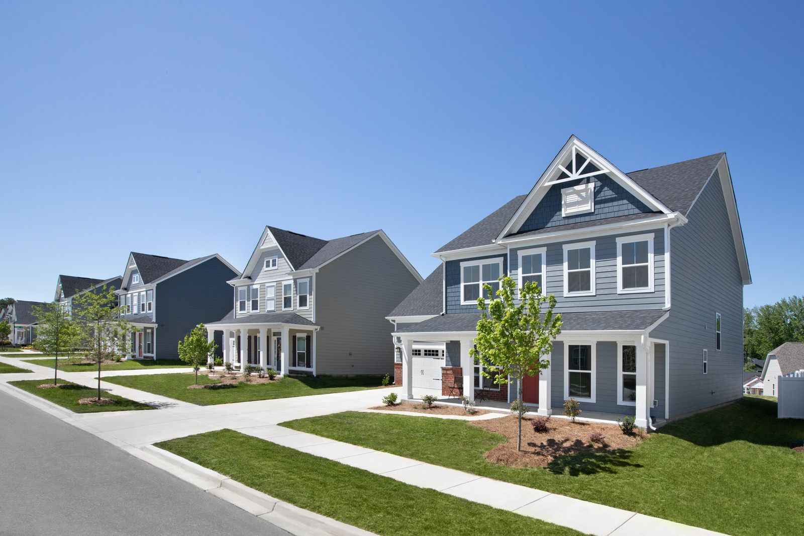 Charming Community with Plenty of Amenities in Huntersville:You'll lovethe picturesque streets and beautiful homes available at Vermillion.Schedule an appointment!