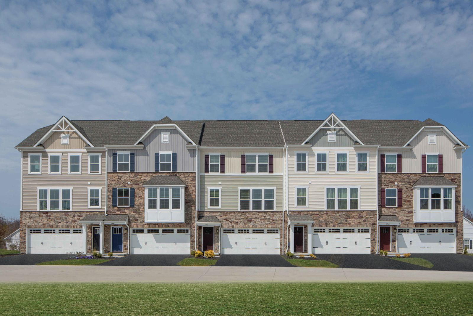 Welcome to Greenwood Village:The best location for new townhomes in Canonsburg with the quickest access to I-79, Rt. 19, & Southpointe. Lawn maintenance included. From upper $200s.Click hereto sign up for the Grand Opening.