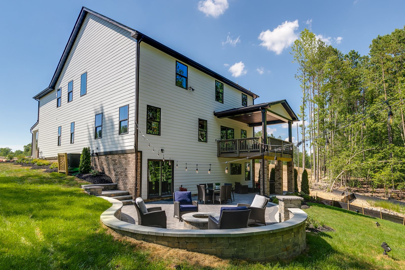 WELCOME TO BAYHILL POINTE – THERE HAS NEVER BEEN A BETTER TIME TO BUY!:3homesites remain, we have sold 45 this year! Final opportunity to buy our best basement lots backingto nature and trees. These dream lotswont last long,click here.