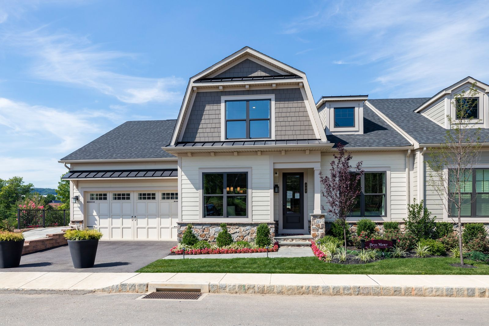 Welcome to Wayne Glen:The only new luxury homes in Wayne with low-maintenance lifestyle, walkable to KOP Town Center in TE schools.Click here to schedule your appointment today!