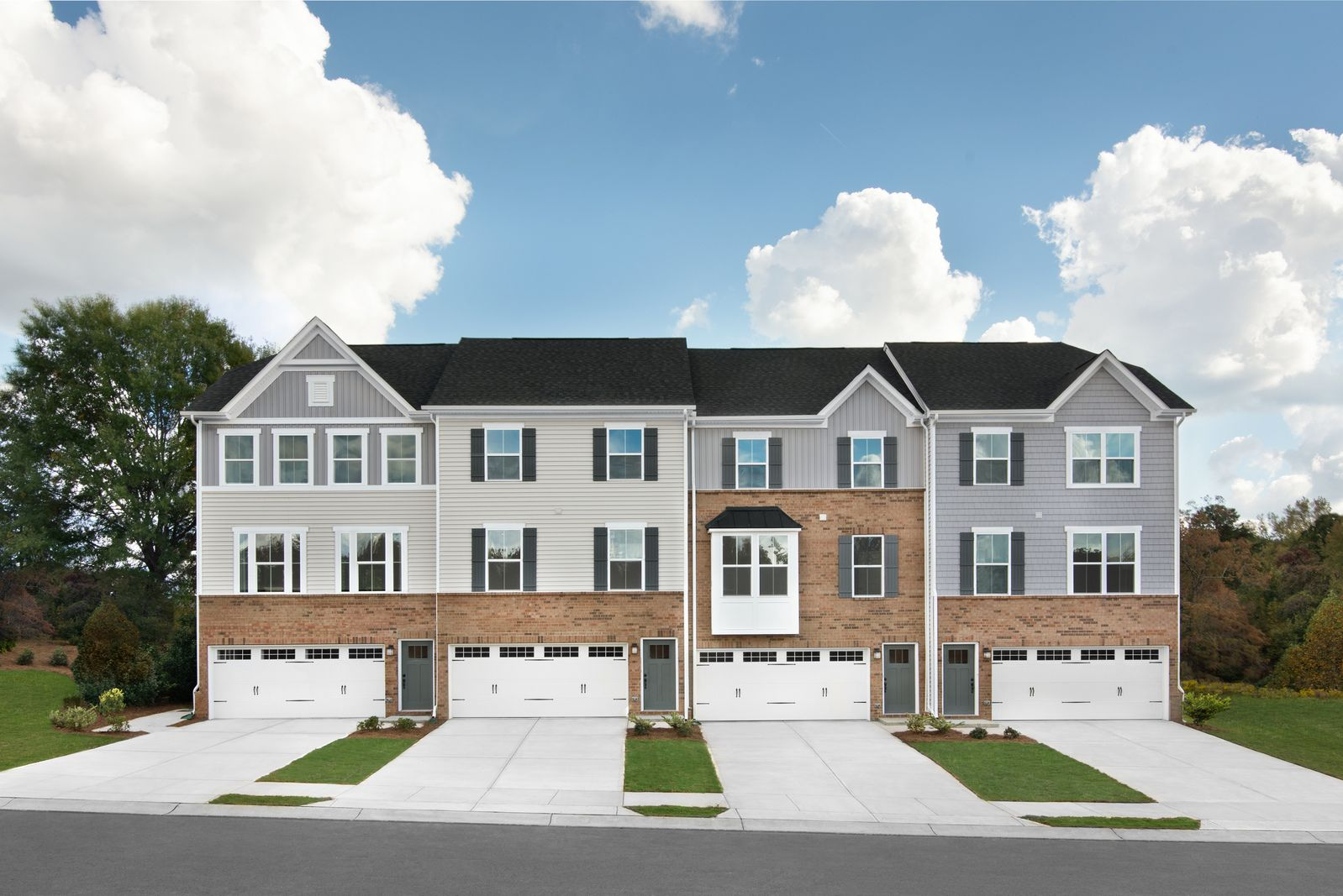 Spacious Townhomes in Regent Park:Own a spacious new townhome in Fort Mill near everything you need.Schedule a visitto learn more!