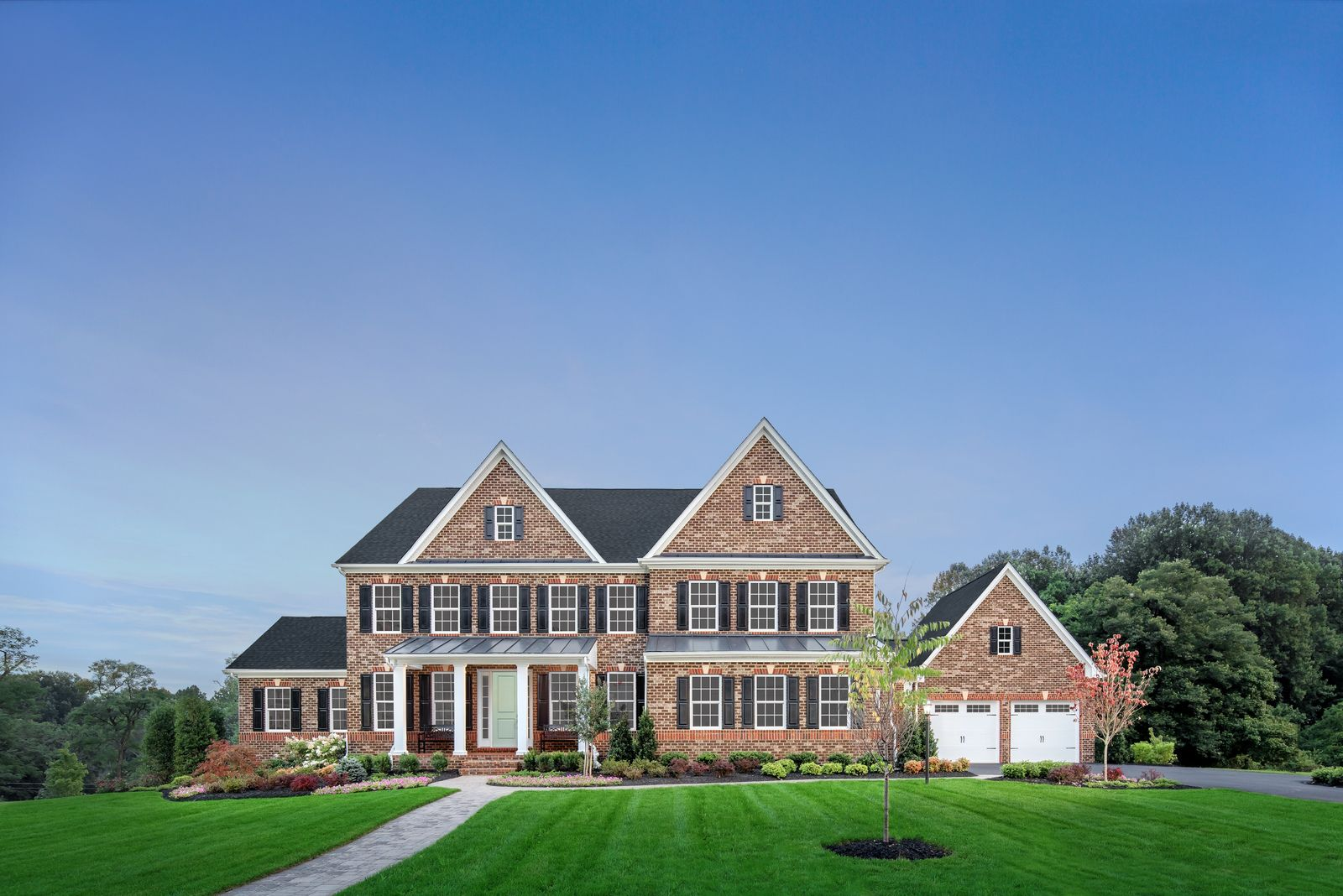PREMIUM 1-ACRE+ USABLE HOMESITES WITH PUBLIC WATER AND SEWER:Experience luxury and grandeur with NVHomes at Longview. Our estate-like residences are now selling.Schedule a visit today!