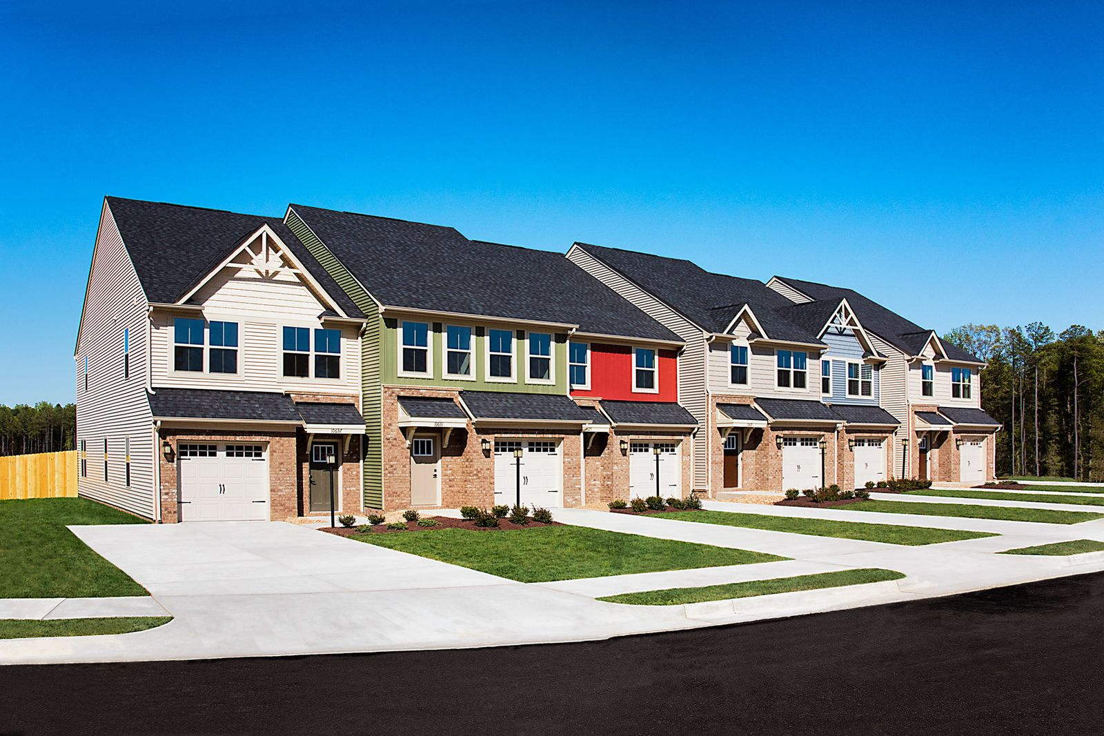 Garage Townhomes in Midlothian from the $290s:With luxury features, a garage, a private backyard that is maintenance free, while at the perfect location, we are selling fast!Click to schedule a visit and get $3,500 in closing costs through 5/31!