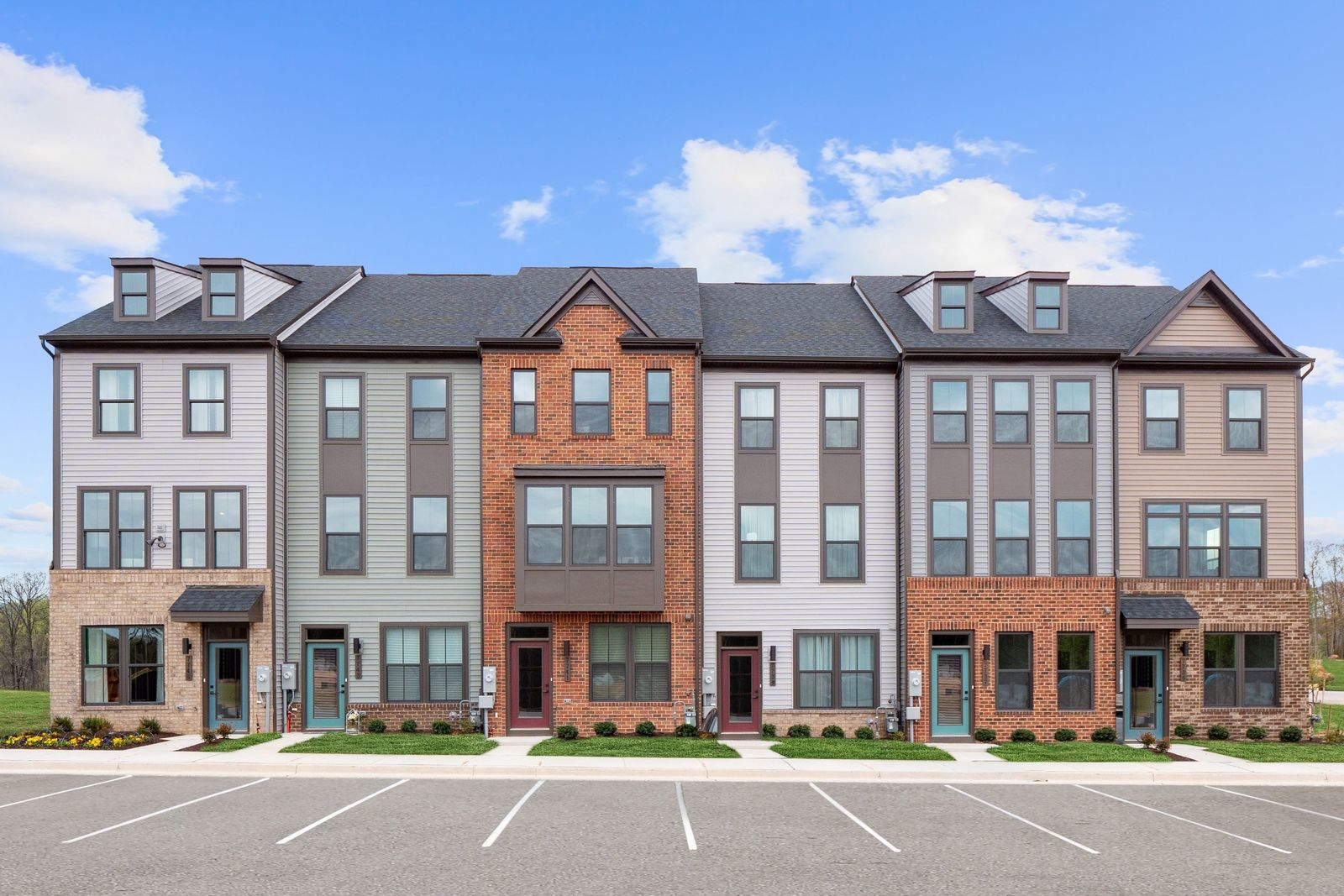 Become a VIP at Tanyard Shores!:Join our VIP list todayfor the first opportunity to get exclusive details and purchase your new home at Tanyard Shores Townhomes!