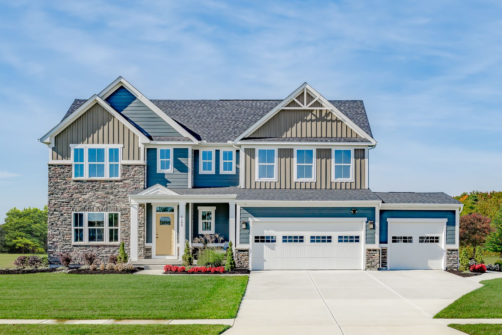 Imagine your home here:16 families have decided to buy in Hampton Pointe in 2021 alone!Schedule your visit now and find out more about homes such as the Roanoke above!