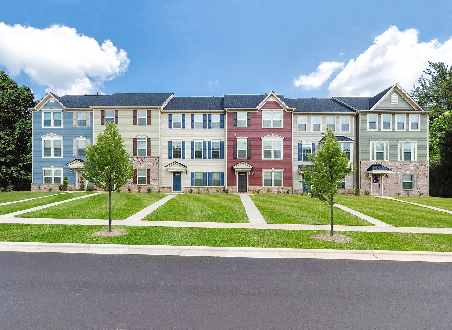 WELCOME TO ANCHOR AT GLASSWORKS:New townhomes with a 5-year tax abatement! Spacious floorplan in an established community within 2 miles of the GSP & 13 miles of MetroPark.. Click here to schedule an appointment.Photograph (1)
