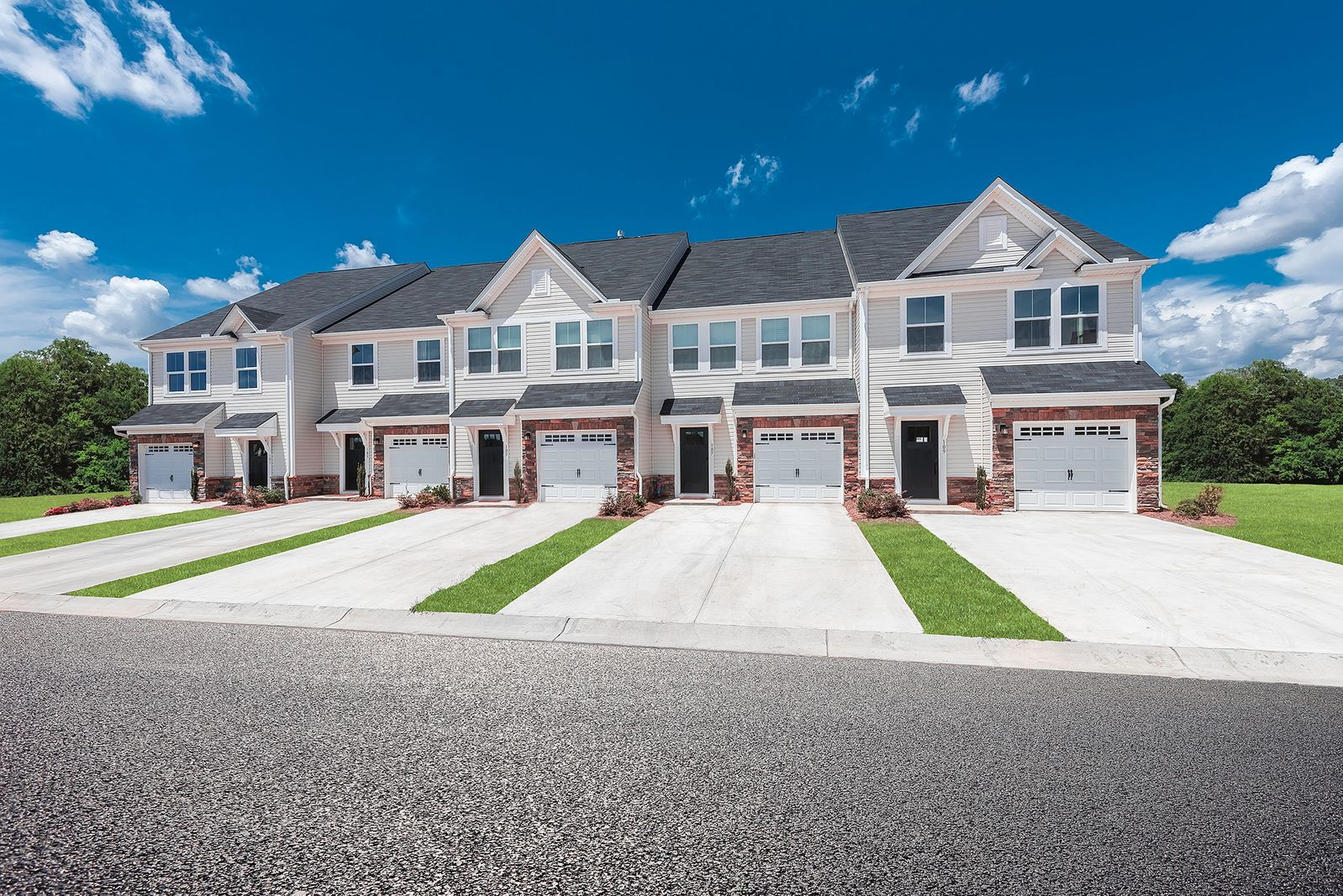 Welcome Home to Grove Point:New 3-bedroom, 1 car garage townhomes for as little as $1578*/month just off laburnum & 360, minutes to I-64, I-295 & White Oak Village.Click here to schedule your visit!
