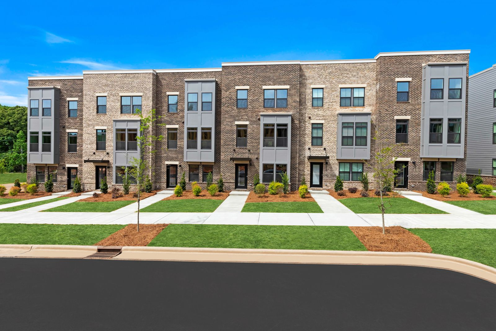 LIVE NEAR COTSWOLD, SOUTHPARK, AND UPTOWN CHARLOTTE:Want to live close to work, trendy restaurants, and more?Schedule a visit to Wendover Green with 2-car garage townhomes & options for a city view.
