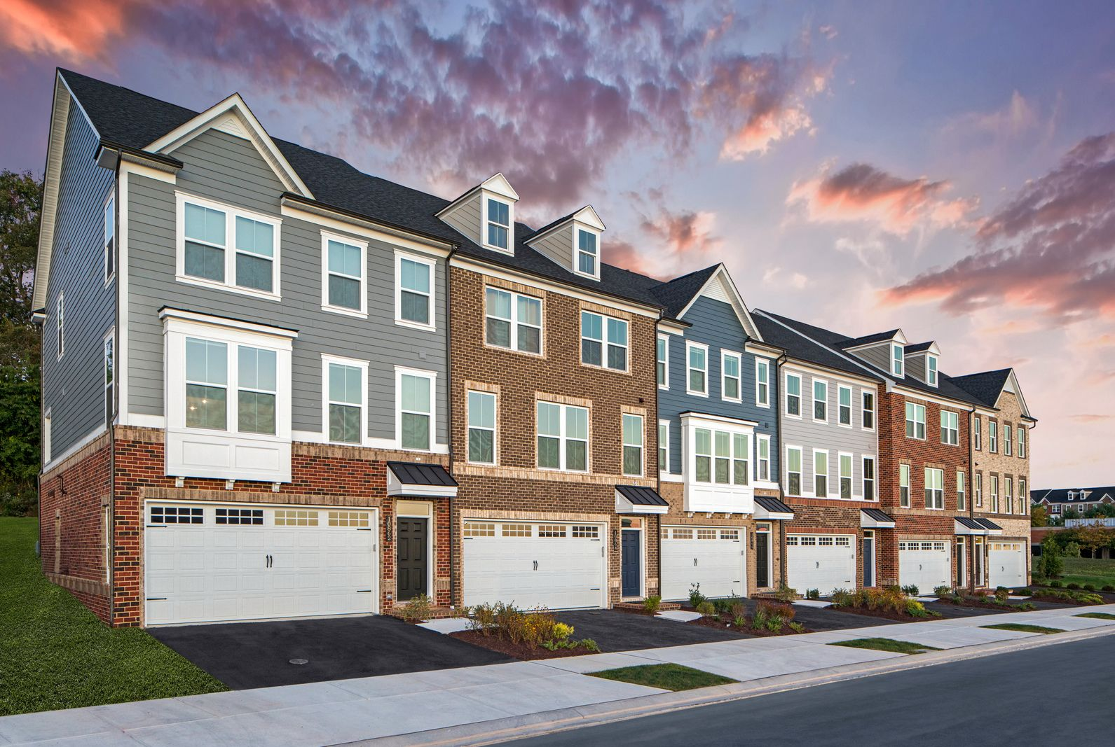 DISCOVER BALTIMORE'S MOST EXQUISITE TOWNHOMES:NVHomes at Greenleigh is Baltimore County's most sought-after new home opportunity, with sizable living spaces, exceptional features, and luxury surprises around every corner.Schedule a visit today!