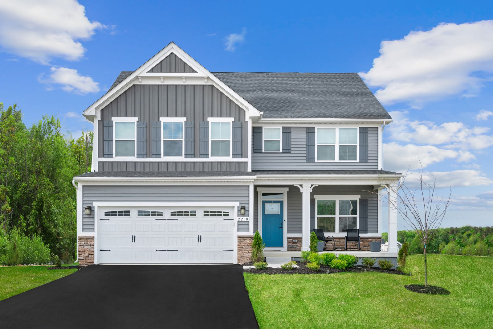 WELCOME TO LANDSDALE:Move up to your new single family home with our latest designs, included luxury finishes, and spacious backyards! Just minutes from I-270. Click here toschedule your appointment today.