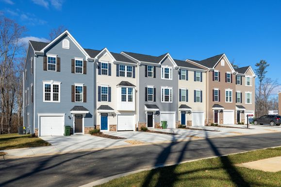 Courthouse commons townhomes - new section now open!