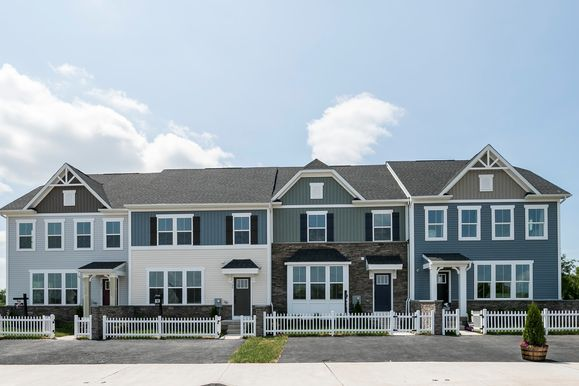 Last chance to call Townes at Montgomery View home!