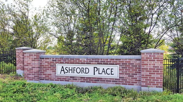 Ashford place entrance marker