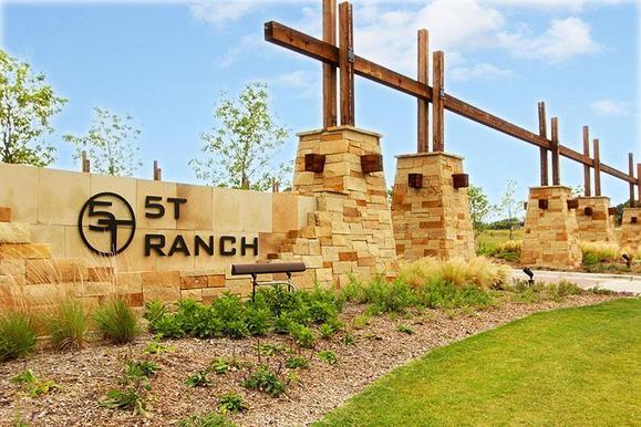 5TRanch Entrance