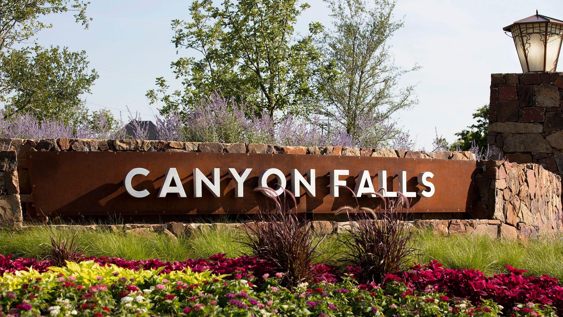 Canyon Falls 80'/100',76262