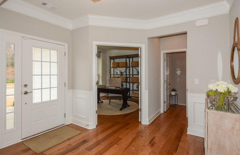 Woodward:Foyer & Flex Room