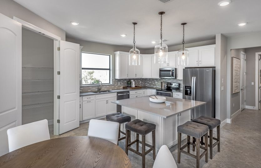 Dockside:Open Kitchen with Center Island