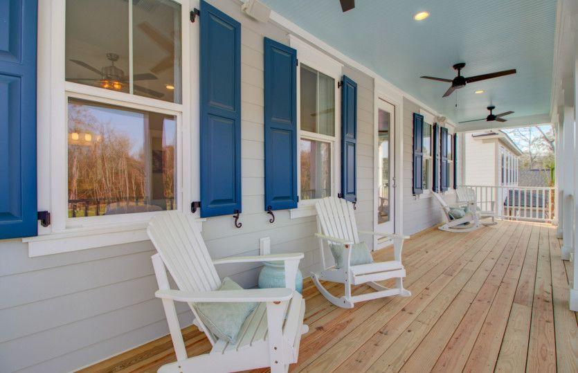 Laurel:Porch