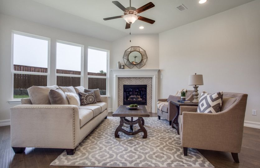Arlington:Great Room with Optional Fireplace