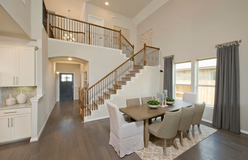Amherst:Two-story Ceilings