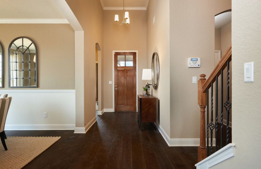 Mooreville:Foyer Entry