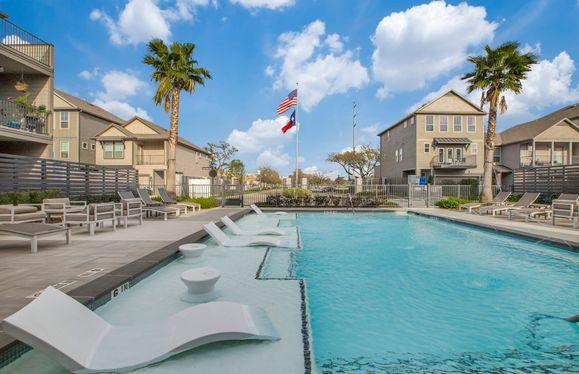 Resort Style Onsite Pool
