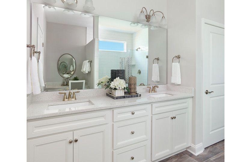 Bridgestone:Guest bath with double vanity