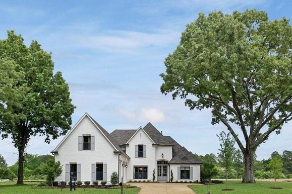Winstead Farms Model Home:Carrington Plan - Elevation A