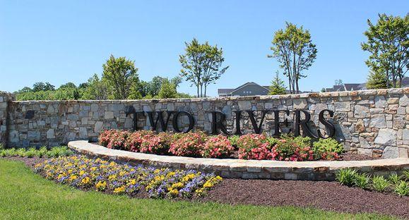 TwoRivers-MidA-Monument