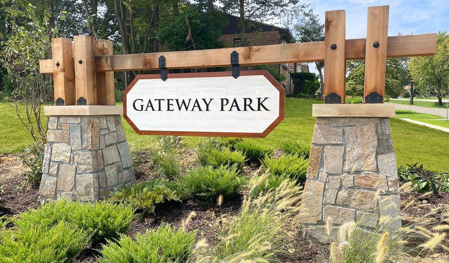 GatewayPark-MidA-Monument:Gateway Park