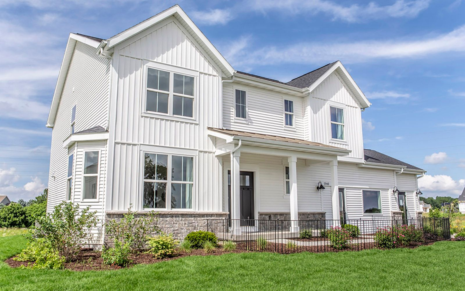 sheridan II farmhouse exterior Stoner Prairie new homes for sale in Fitchburg WI William Ryan Hom...:Stoner Prairie Model Home - Sheridan II - Farmhouse Exterior