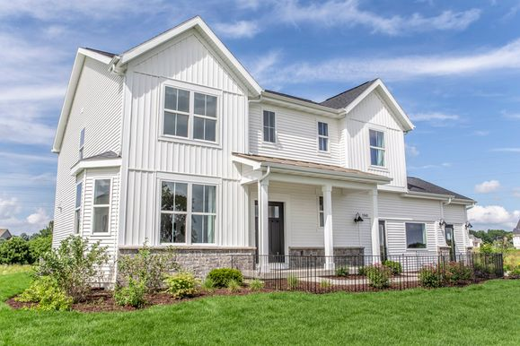 farmhouse exterior Sheridan II floor plan Savannah new homes for sale in Lakemoor IL William Ryan...:Sheridan II - Farmhouse Exterior - This model is located in Fitchburg, WI