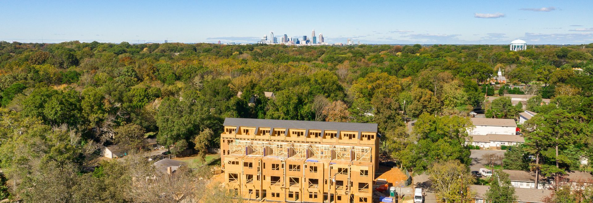 Lucent at Cotswold:6 miles from Uptown Charlotte