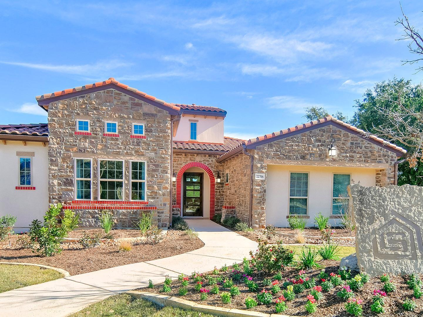 Amorosa at Cibolo Canyons:Community Image
