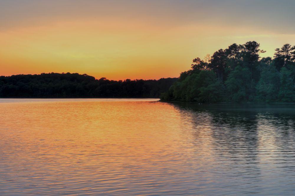 Lake Views:Beautiful Lake Views