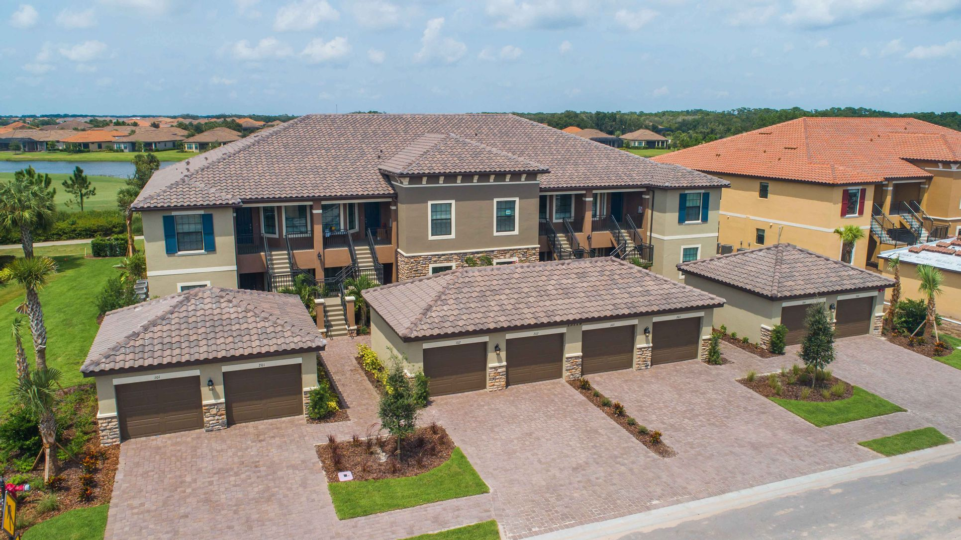 Lakewood Ranch Condo Exterior-16x9-13