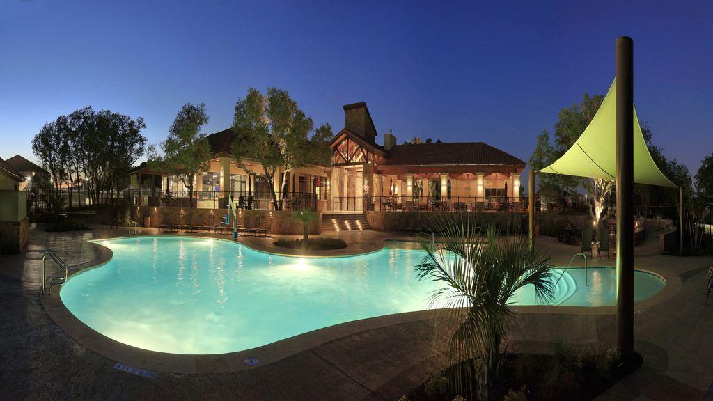 ch-pool-night