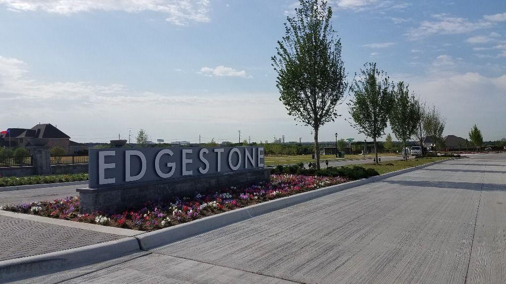 edgestone-at-legacy-entry-monument