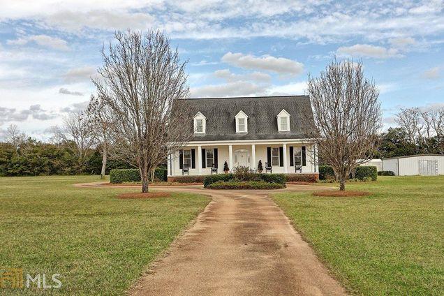 Ellis Estates,30083