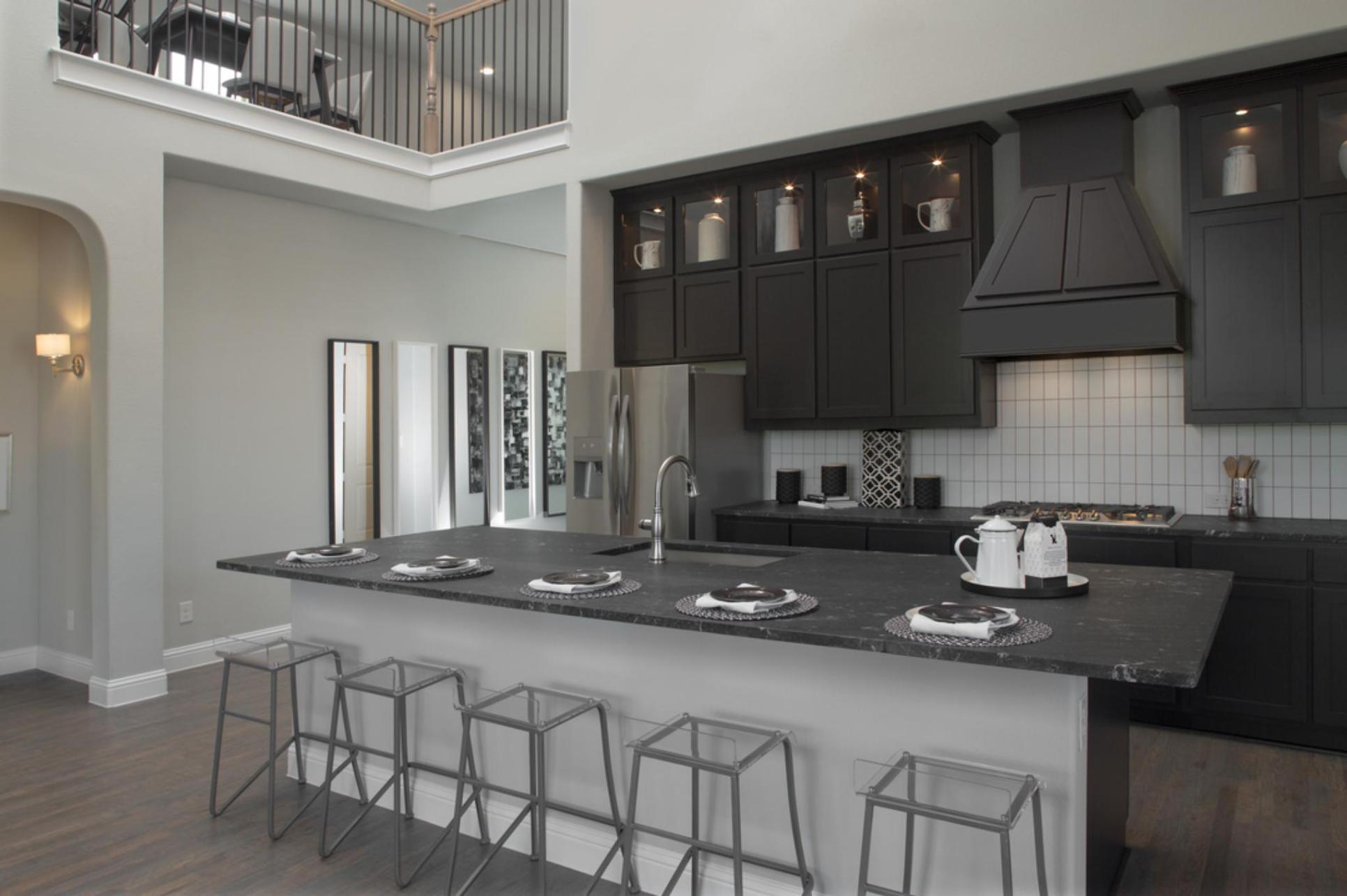 GRZ IMPORT IMAGE:Glen View | Kinsley Model | Foyer & Kitchen