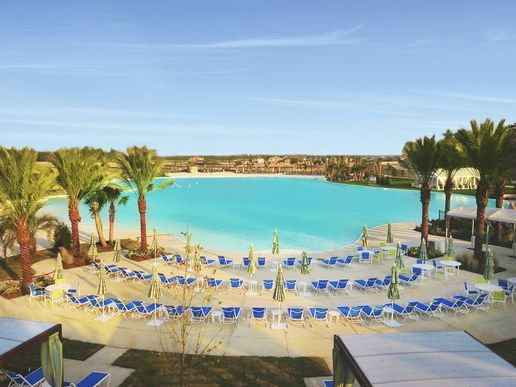 Balmoral Lagoon Chairs View:Balmoral Amenities | Crystal Clear Lagoon & White Sand Beach