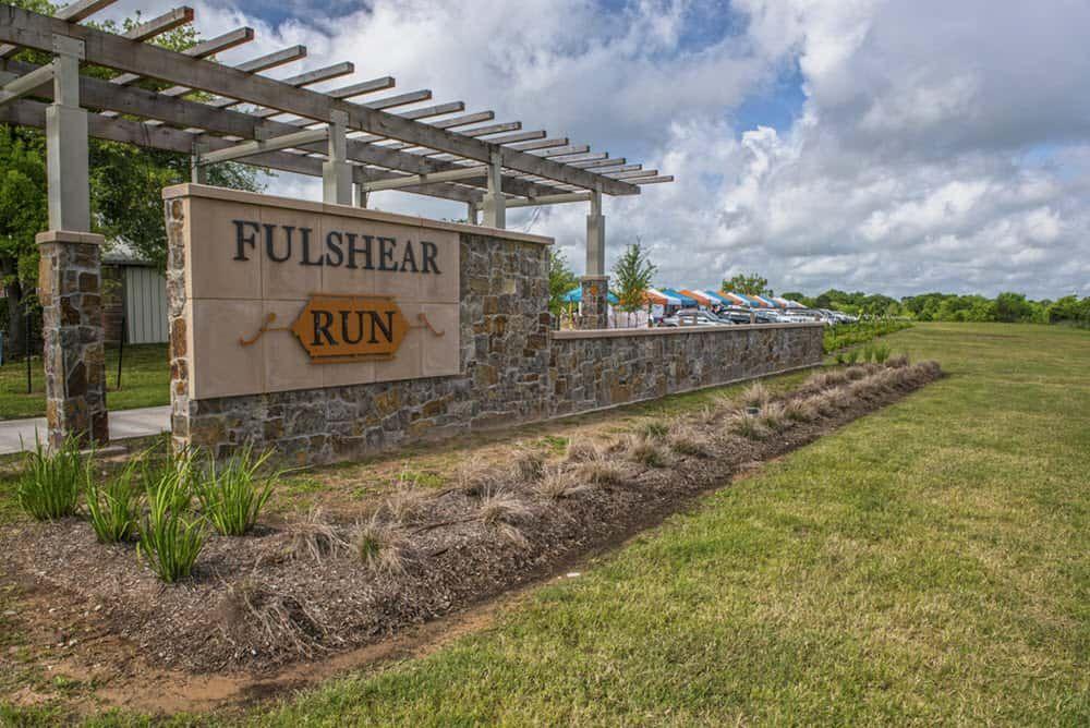 Fulshear Run Amenities | Entry Monument