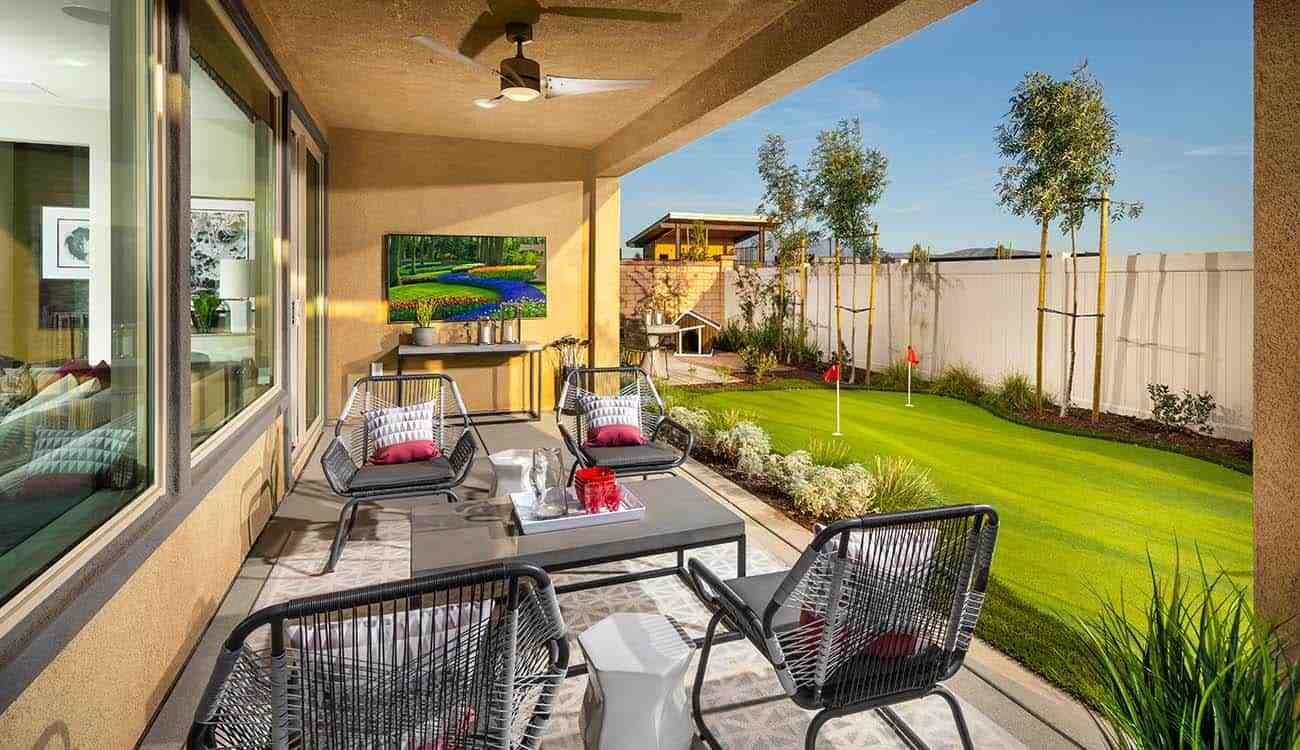 Avid Residence 1 - Covered Patio