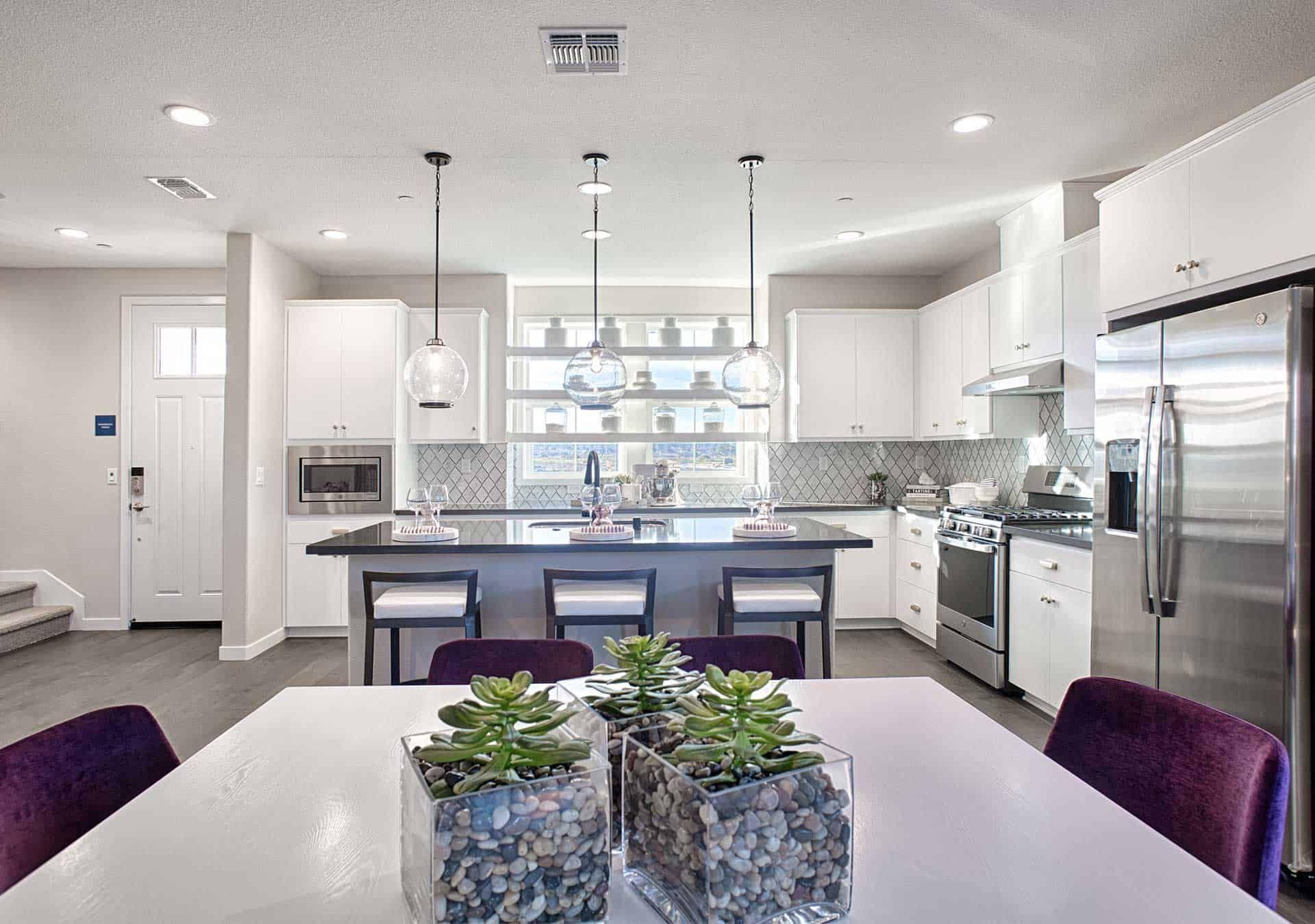 Plan 3 - Entry & Kitchen