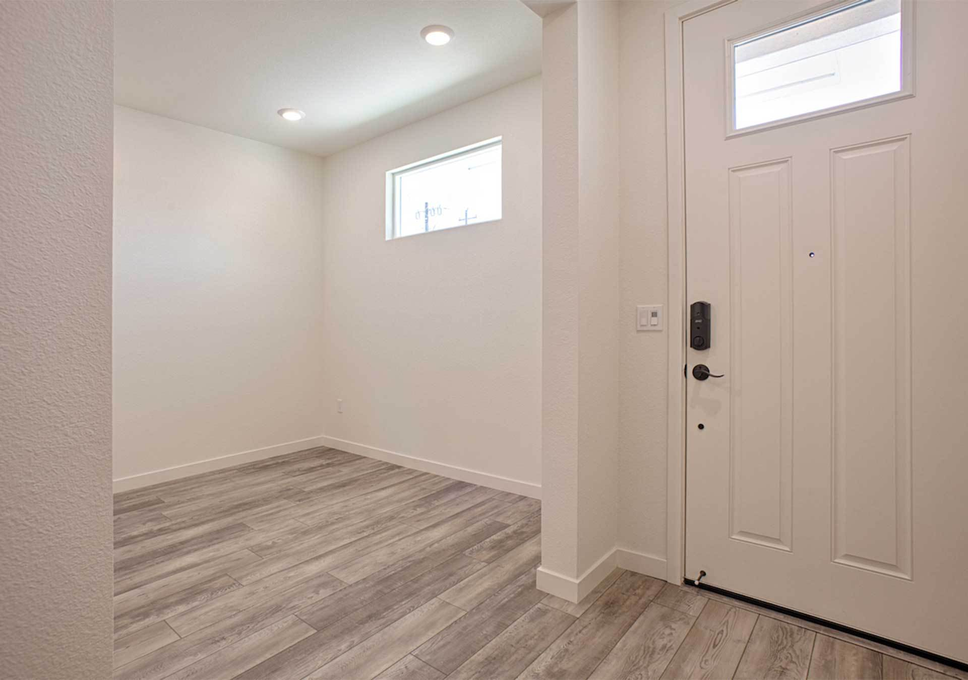 Homesite 100 - Entry