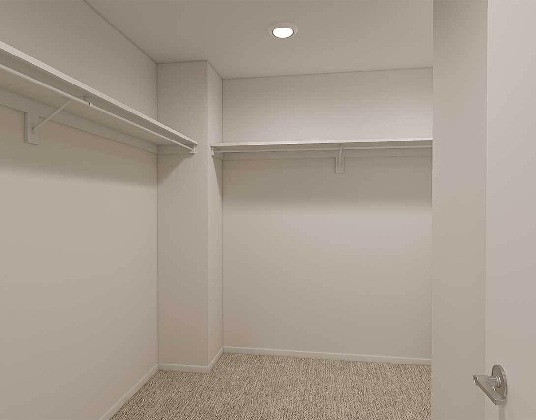 Zutano Plan 1 Walk in Closet