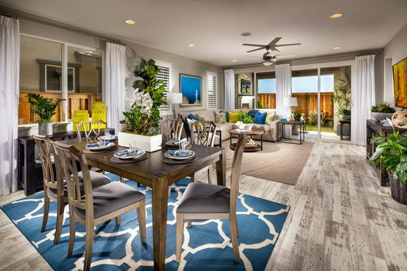Dining Room :Latitude at River Islands