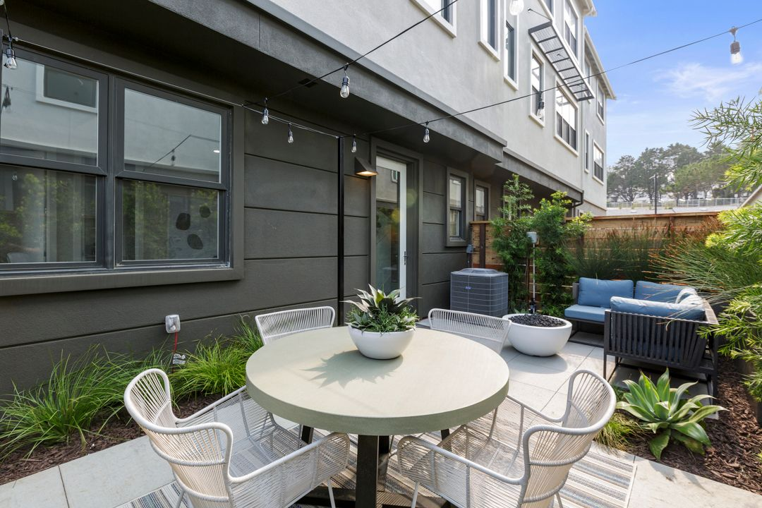 Bayview 22:Brand New Homes in South San Francisco
